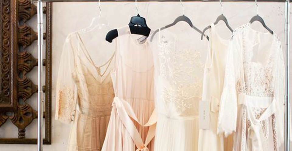 Shopping for plus-sized wedding dress